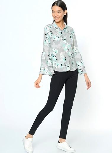 Kolları Volanlı Desenli Gömlek-Dewberry
